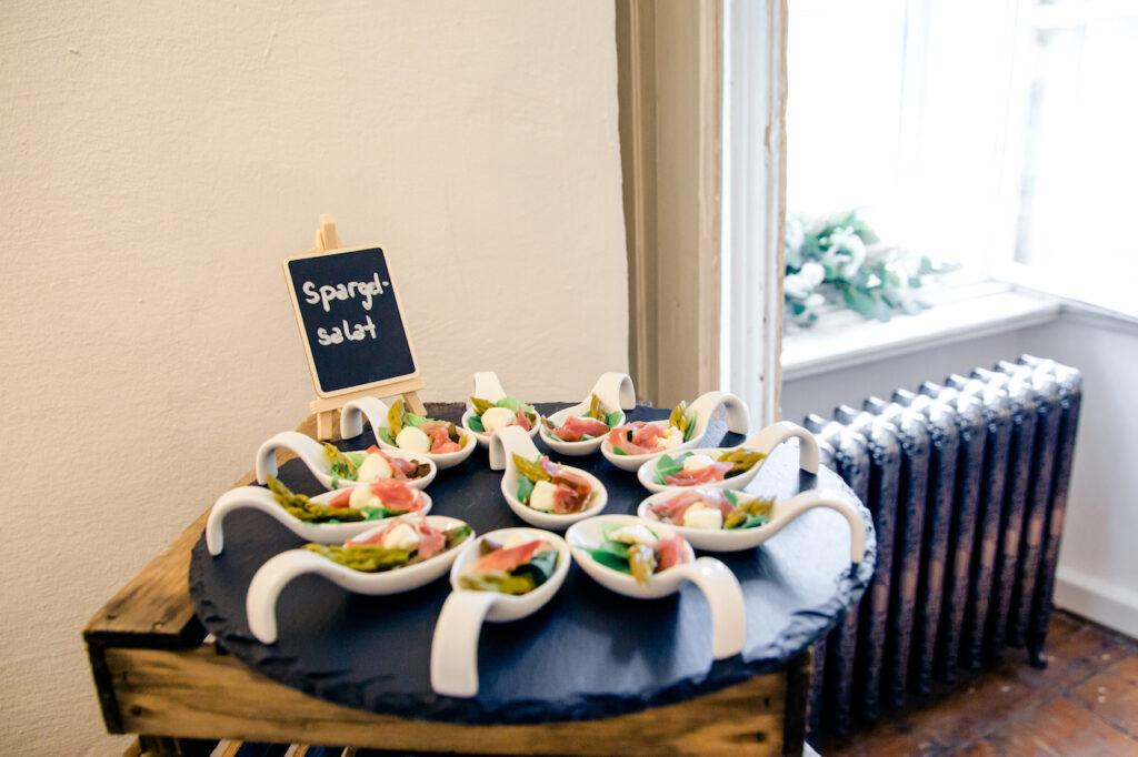 Spargelsalat bei der SchlossStudio Eroeffnung von Verena Pelikan