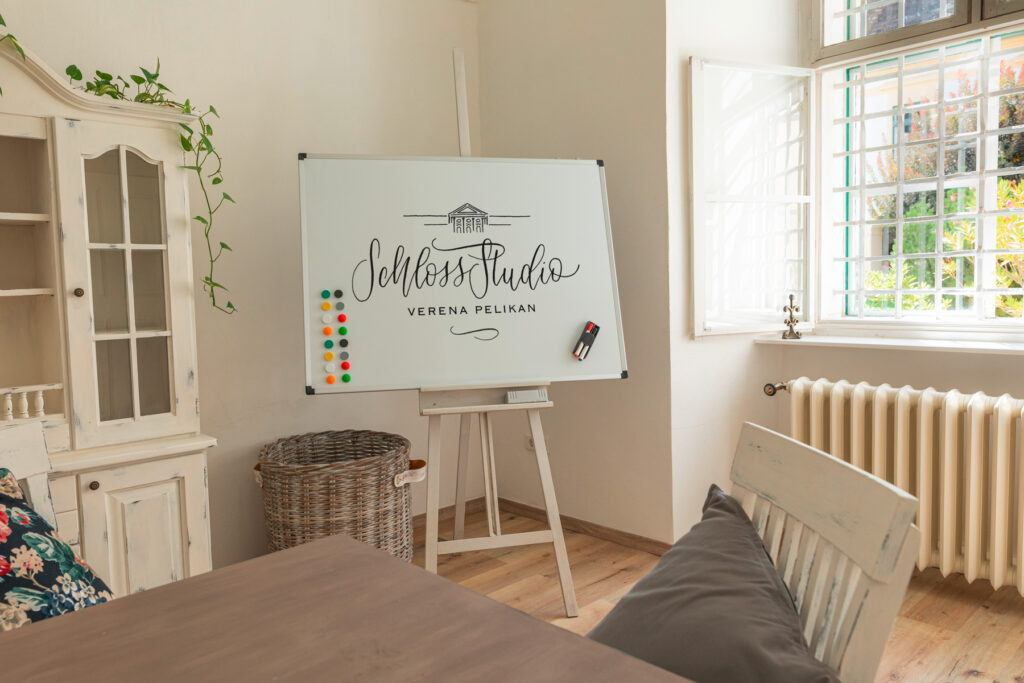 Heller Seminarraum Reintalwiese zum Mieten im Seminarstudio SchlossStudio im Weinviertel