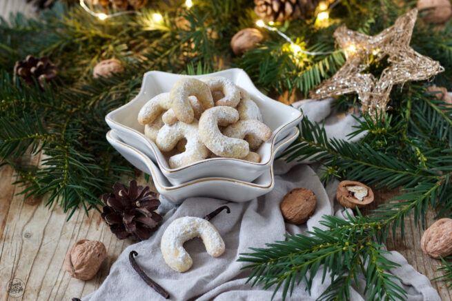 Leckere Vanillekipferl werden beim Weihnachtskekse Backkurs im SchlossStudio von Verena Pelikan mit den Kursteilnehmern gebacken