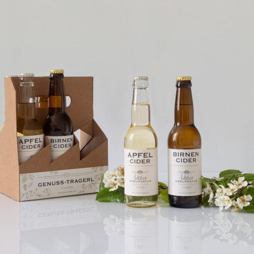 Cider Genuss Tragerl gefuellt mit Apfelcider und Birnencider aus der SchlossManufaktur Verena Pelikan